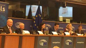 6月27日在歐洲議會