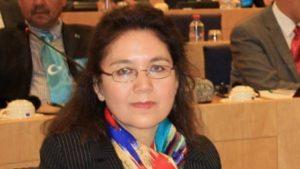 維吾爾族人權學者和活動家祖拜拉·夏木希丁(Zubayra Shamseden)