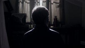 黑暗中的老人