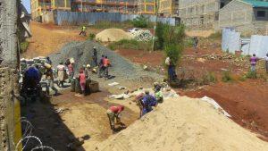 肯尼亞工人(Mugambi Muriuki – CC BY-SA 4.0)