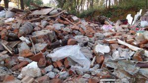 西山廟被拆成廢墟(知情人提供)