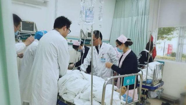 醫生搶救病人(網路圖片)