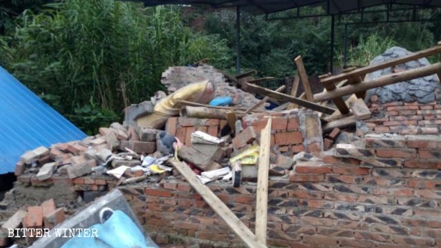 9月27日,龍王寺廟被強行拆毀