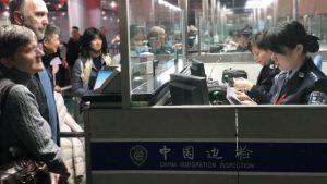 外籍人士準備出境(網絡圖片)