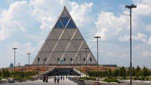 阿斯塔納和平金字塔(Ninaras – CC BY 4.0)