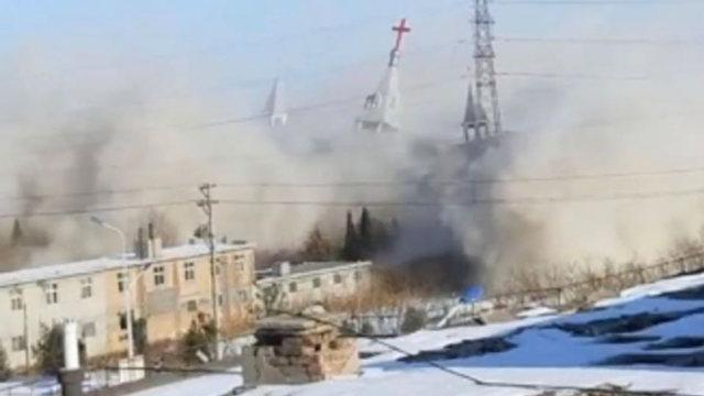 金燈臺教堂被炸毀(圖片截取自教會信徒提供的視頻)