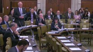 來自斯特蘭福德的吉姆·香農議員(Jim Shannon)為辯論會致開幕辭