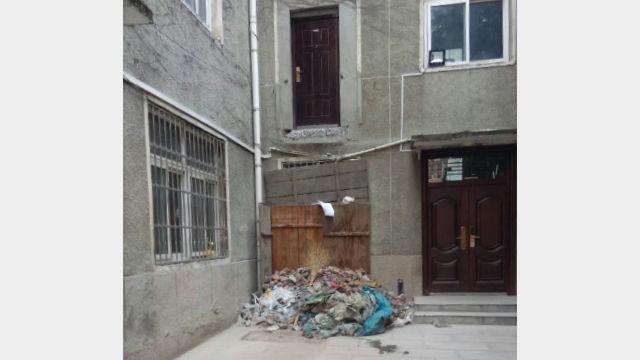 劉神父房間外樓梯被徹底拆除(知情人提供)
