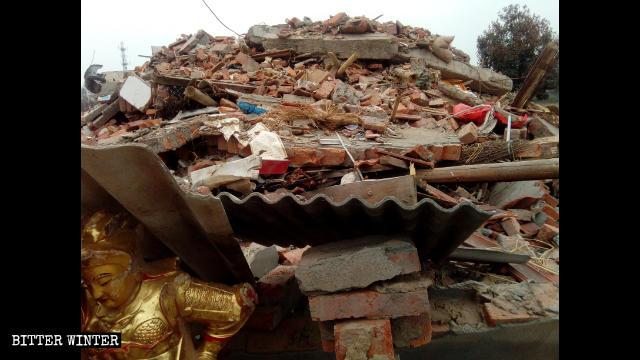 紅山寺被拆成廢墟