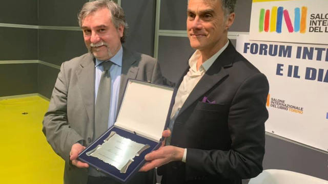 馬可·萊斯賓蒂(Marco Respinti)在領獎
