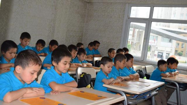 維吾爾兒童在伊斯坦布爾學習自己的語言,他們大多是「孤兒」。