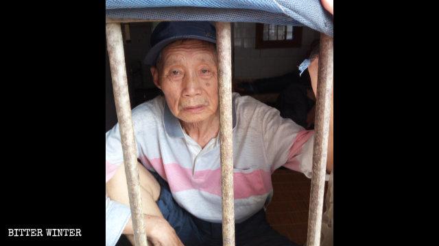 嚴春香老人今年7月被關在鄂州市精神病院內