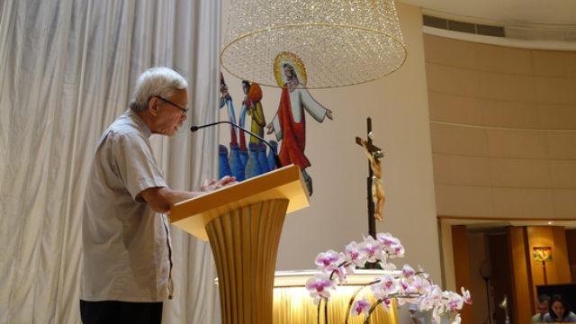 九月十五日,陳日君樞機帶領信眾在聖母聖衣堂為香港祈禱(天亞社)