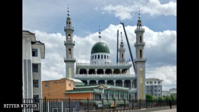 固原陝西清真大寺伊斯蘭標誌被拆中