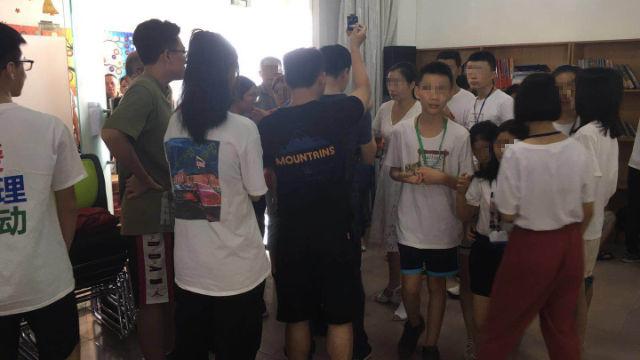 在佛山市橄欖山教會舉辦的夏令營被執法人員突襲(知情人提供)