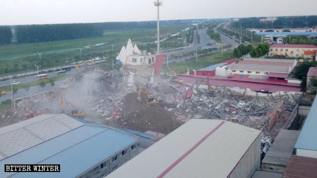 教堂被拆成廢墟