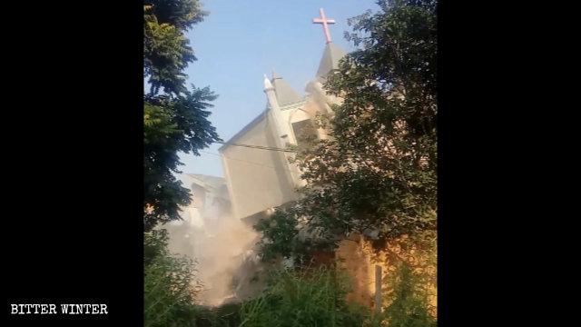 官方教會亦無寧日數量銳減 福州再拆數個三自教堂、聚會點