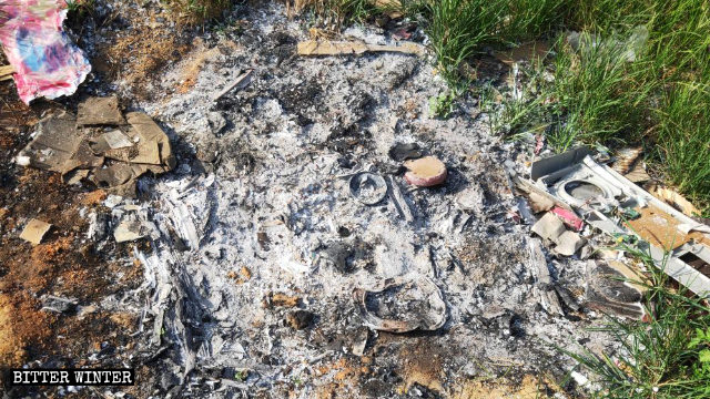聖母像被燒毀留下的痕跡