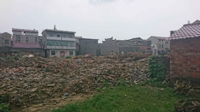 江西省吉安市新幹縣一些老人的房子被以「脫貧」的名義強拆(知情人提供)