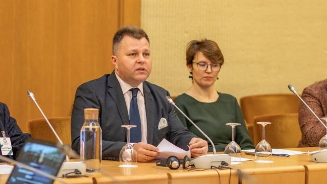 中国的宗教迫害在立陶宛议会遭到谴责