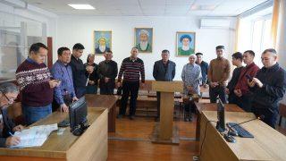 哈薩克斯坦:中國難民為避免被遣返而戰