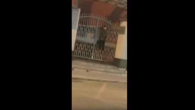 退役老兵于海平的遺體被發現吊在山西信訪局大門上(視頻截圖)