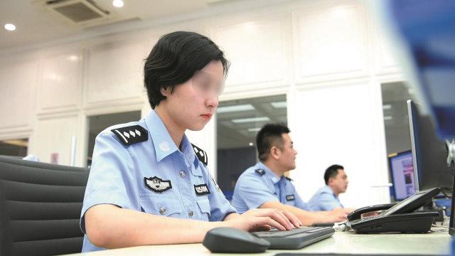 忙碌的中國網警(網絡圖片)