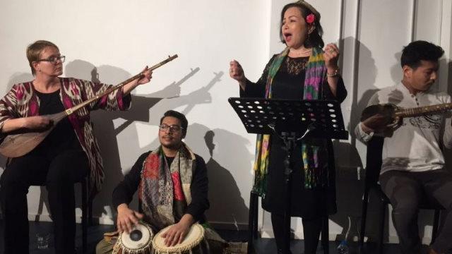 為春天而歌:拉希米·馬赫穆德和「絲綢之路樂團」