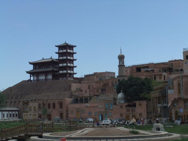 古時中國邊疆大臣的宮殿,之前完全荒蕪破敗,現經過修復後已重現了昔日的「輝煌」。喀什 2016年