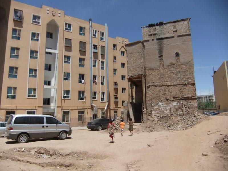 在老城區建造好的公寓樓。喀什 2011年