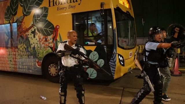 香港警察已作好隨時開槍的準備(立場新聞)