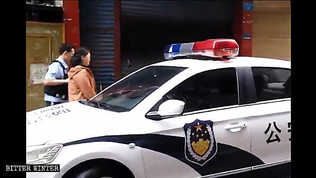 中吉社區教會的講道人被警察帶走