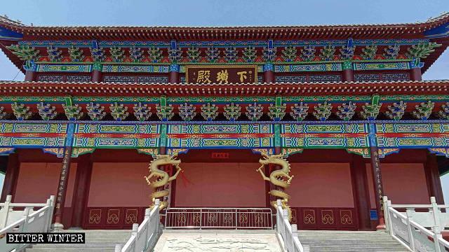 撫州市下璜村村民為保護寺廟用石膏板封住了門窗