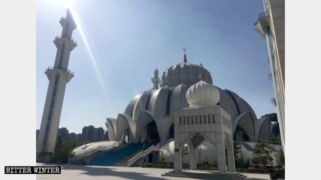 昔日建造精美的閱海清真大寺