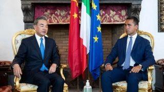 龍與鼠:中國、意大利外長在抗議聲中會面