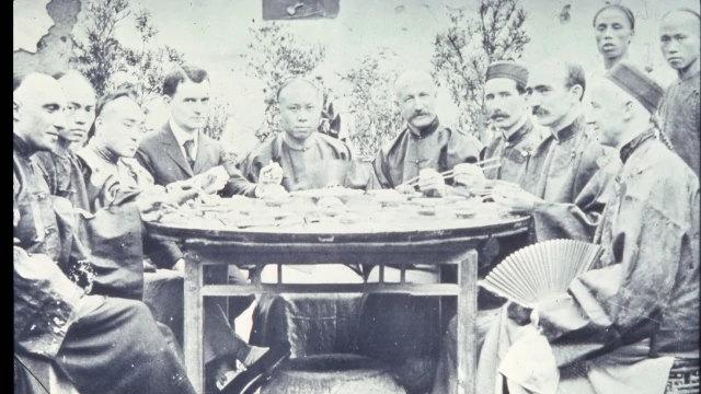 不同時代:1902年在湖南省外國基督教神職人員與中國人自由相處(公共領域)