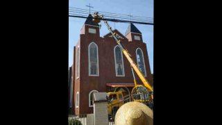各地持續強拆天主堂、十字架 信徒被迫簽字棄信仰貼毛像